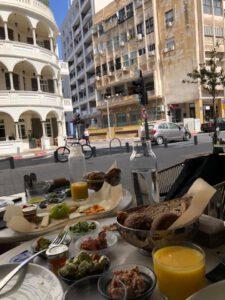 ארוחת בוקר בתל אביב